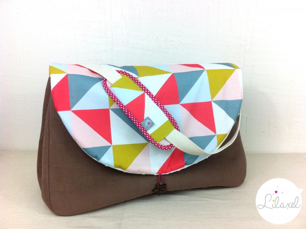 sac à langer lilaxel - caramel et triangles