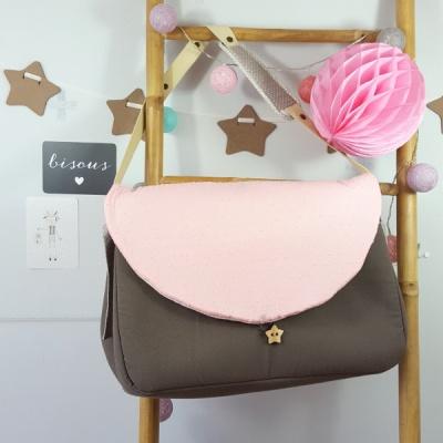 sac à langer lilaxel taupe et plumetis rose
