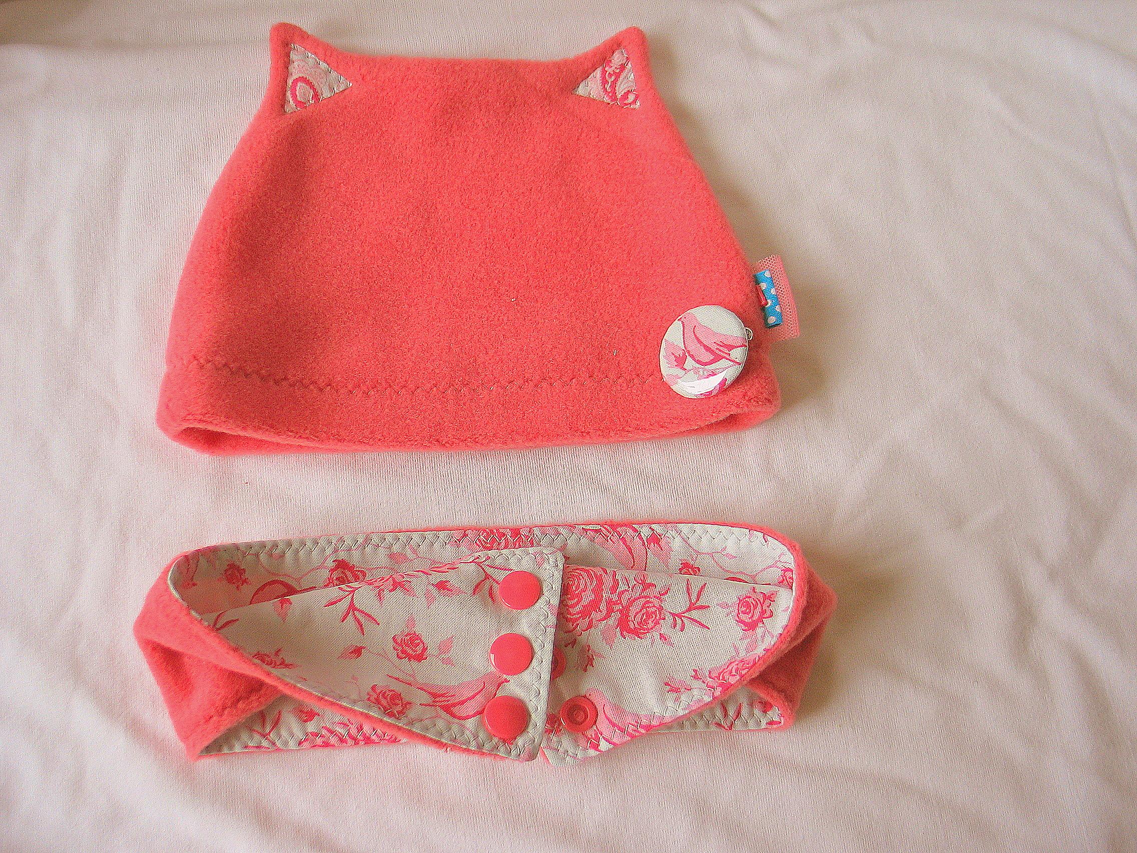 Bonnet 'petit chat' pour une naissance