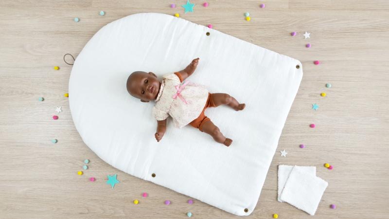 bébé sur matelas rabat lilaxel