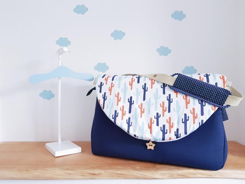 sac à langer lilaxel - bleu marine et cactus
