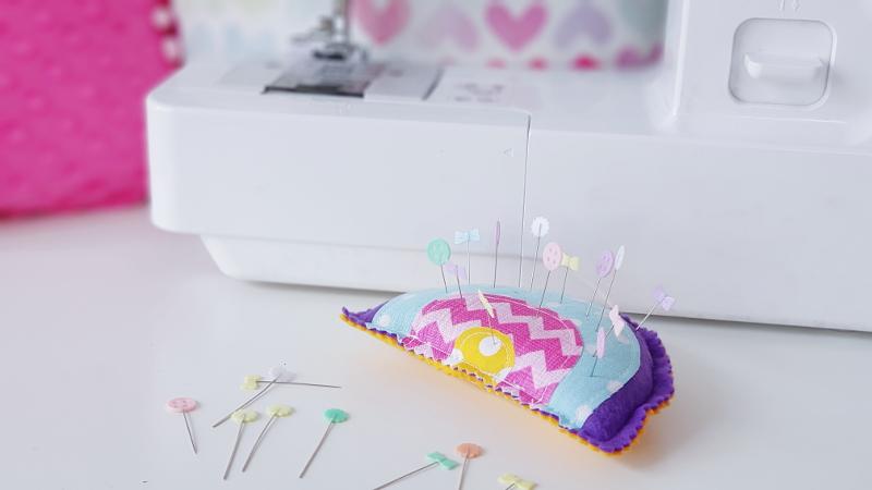 atelier couture enfant à lorient - le pique-épingles arc en ciel lilaxel