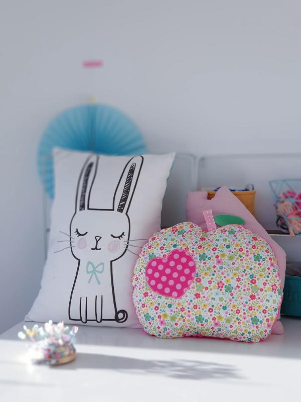atelier couture parent-enfant sur lorient avec lilaxel - le coussin lapin