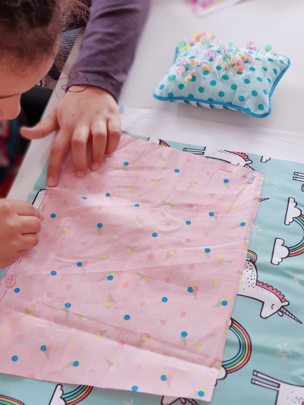 atelier-couture-enfant-à-lorient-avec-lilaxel-épingler
