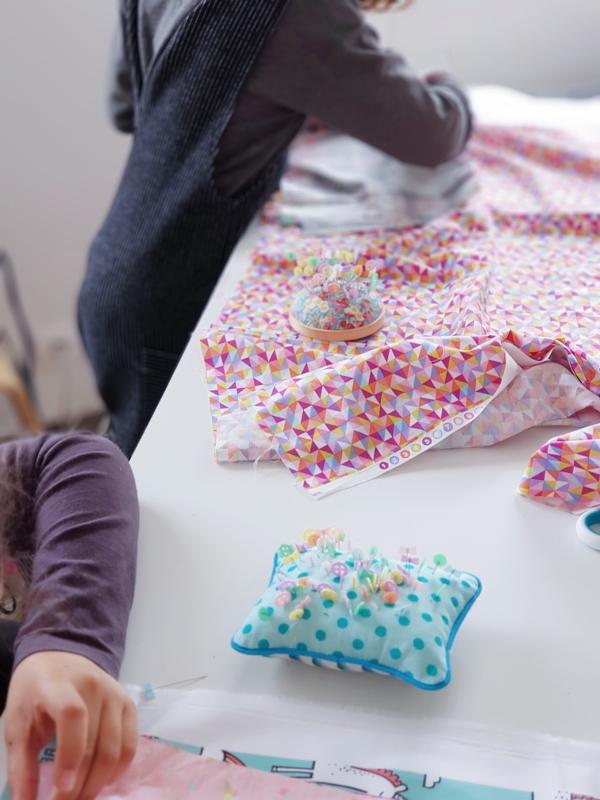 atelier-couture-enfant-trousse-à-bazar-lilaxel