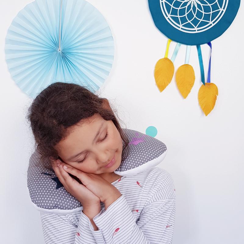 atelier couture enfant lilaxel - coussin de voyage